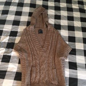 Thick short sleeve sweater by American Eagle